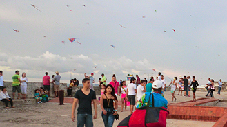 Kite flying in Colombia