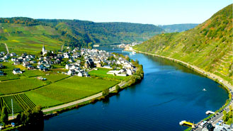 I hear Cochem is along the Mosel River? Tell me about it?
