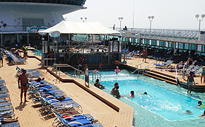Pool deck Pullmantur Monarch