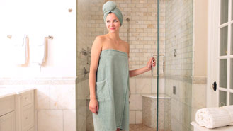 This Towel Wrap/Dress Is The Perfect Gift For Traveling Women