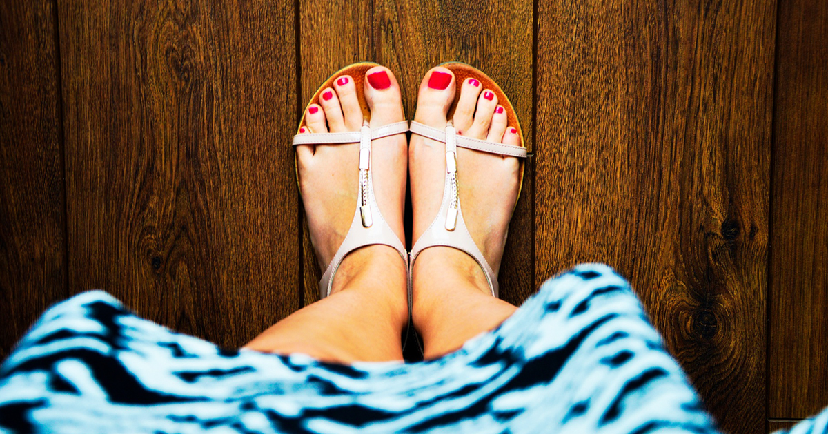 Really Cool Flip Flops And Sandals For Casual Outings